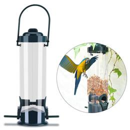 Giardinaggio divertente online-Attaccatura di plastica Wild Bird Feeder Hanger Scoiattolo Perch Outdoor Garden Feeding Contenitore di semi Atrovirens Life Fun DDA739 Attività all'aperto