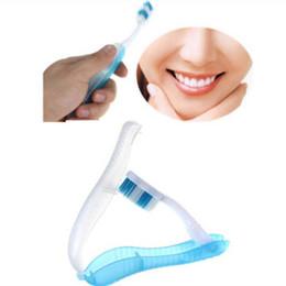 Cepillos de dientes plegables online-Cepillo de dientes desechable portátil Hotel Plegable de viaje al aire libre Cepillo de dientes desechable de plástico Debe tener un cepillo de dientes portátil Sin DHL