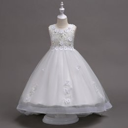 Wholesale First Communion Vintage - 2018 New White Flower Girl Dresses Vintage Appliques Hand Made Flowers Princess Kids Ball Gowns Girls First Communion Dresses MC1492