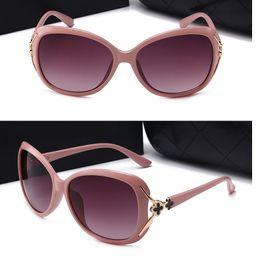 logotipos da marca de moda feminina Desconto Luxo Marcas Designer Óculos de sol Mulheres Retro Vintage Proteção Feminino Moda Óculos de sol Polarized Óculos de sol com logotipo 4 cores