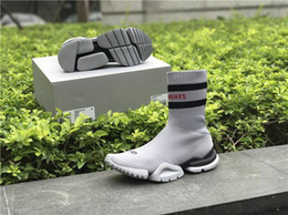 Wholesale Ankle Boots Comfortable - VETEMENTS SS CREW UNISES Sock Trainer Dropping RUNNING Shoes CN3307 Comfortable Luxury Brand Sports Shoes Popular Footwear