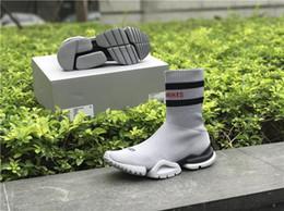 Wholesale Toe Heel Socks - VETEMENTS SS CREW UNISES Sock Trainer Dropping RUNNING Shoes CN3307 Comfortable Luxury Brand Sports Shoes Popular Footwear