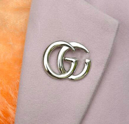 Wholesale Pins Suit - Wholesale Brand Letters Brooches Hollow Design Corsage Lapel Pins Gold Silver Plated Brooch Pin For Women Girl Suit Shirt Accessory