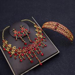 coroa vermelha para a noiva Desconto Crown tiara noiva terno de três peças coreano jóias colar de brincos de casamento acessórios de cabelo