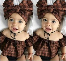 Lindo recién nacido bebé niña ropa fuera del hombro volantes Tank Tops + diadema + pantalones cortos 3pcs verano ropa de bebé trajes desde fabricantes