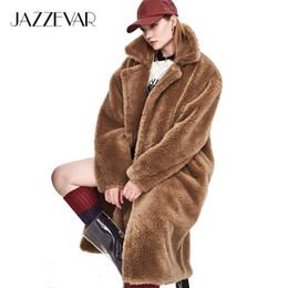 2019 parka de moda feminina JAZZEVAR 2018 Inverno Nova Moda Womens Teddy Bear Ícone Brasão X-Long Real De Pele De Ovelha Oversized Parka Grosso Outerwear Quente Y18102601 parka de moda feminina barato