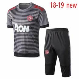 Top qualidade 2018 2019 novo homem utd S   2XL camisa de futebol agasalho  manga curta 3 4 calças 18 19 LUKAKU POGBA adulto camisa de futebol terno de  ... 84ec4439cf647