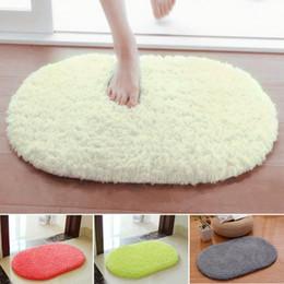 Tapetes oval on-line-Macia e Absorvente Plush Sponge Quarto Banho Do Banheiro Chuveiro Tapete De Porta Do Chão Tapete Não-slip Oval