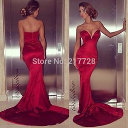 Sexy Low Cut Sweetheart Guaina Rosso scuro Satin Mermaid Prom Dresses Corte dei treni 2018 Fashion Stretto Dress Abiti occasioni speciali da collant rosso scuro fornitori