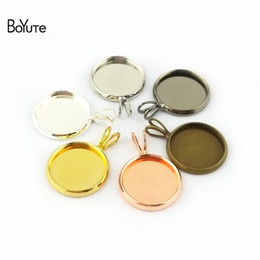 Wholesale round trays bronze - BoYuTe 50Pcs 6 Colors Round 18-20MM Cameo Cabochon Base Setting Diy Pendant Blank Tray Jewelry Findings & Components (Antique Bronze)