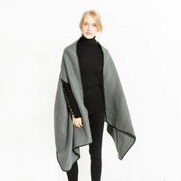 2018 Mode acrylique chaud d'hiver Poncho femmes Nouveau trou Ponchos et capes en cachemire Grand Long Ponchos de couleur unie 3462 Vente en gros ? partir de fabricateur