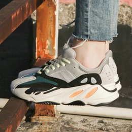 Wholesale classic wave - Kanye 700 West Wave Runner 700 Classic Running Shoes Sports 700 Shoes Fashion Sneakers size 5.5-11