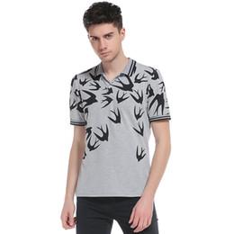 lässig modische kleider ärmel Rabatt Modische Außenhandel Sommerkleid neue Persönlichkeit Feiyan Druck Männer europäischen Code Casual Kurzarm Revers T-Shirt.