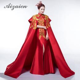 2020 bordados de cauda vermelha bordados Luxo Red Tailing Vestido de Noite Elegante Desfile de Moda Bordado Ouro Phoenix Cheongsam Vestidos de Casamento Tradicional Chinesa Vestido bordados de cauda vermelha bordados barato