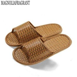 Wholesale natural bamboo flooring - High quality linen bottom skid slippers for men and women home interior natural bamboo rattan mat cool slippers h037