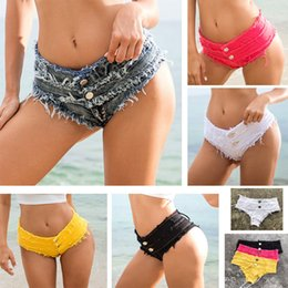 Hot low cut hose online-Damenbekleidung Shorts 2019 Sommer Frauen Quaste Zerrissene Seite Schnüren Ausgeschnitten Ultra Low Waist Jeans Denim Shorts Hot Pants Booty Twerk