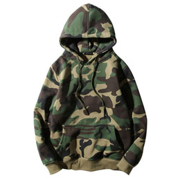 Sudaderas verde del ejército online-Sudaderas con capucha de camuflaje verde militar de invierno para hombre Camo Fleece sudaderas con capucha Hip Hop botín de algodón Streetwear S-2XL