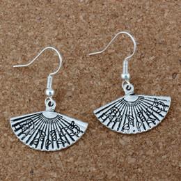 pieghevole antico Sconti Pieghevole ventilatore orecchini argento pesce orecchio gancio 20 paia / lotto argento antico gioielli lampadario 24.5x34mm A-204e