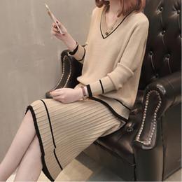 Moda Corean Primavera Otoño Patchwork Suéter de punto Falda Mujeres Cuello  en V Top + Lápiz Falda conjuntos Trajes de tejer mujer Conjuntos de dos  piezas df77c8670153