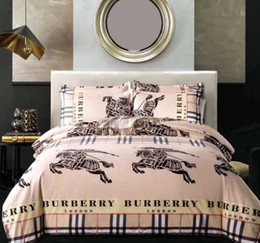 Edredón de marca online-Marca de lujo Juego de cama BBR Estilo de Inglaterra Juego de funda nórdica Estampado de moda Ropa de cama con funda de almohada Cama Textiles para el hogar