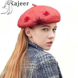 Kajeer Sombrero de Invierno Boinas de Lana Hairball Cashmere Womens Marca  Caliente Casual de Alta Calidad de la Mujer Vogue Sombreros de Punto Para  Niñas ... 1bcef7a0d78