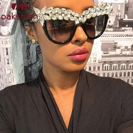 Katzenaugenrahmen rhinestones online-Mode Luxus Cat Eye Diamant Sonnenbrille Frauen Kristall Strass Sonnenbrille Übergroßen Rahmen Bling Shades Oculos de sol 2018 D18101302