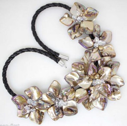 Wholesale Brown Beaded Necklaces - Light Brown Flower Mother Of Pearl Shell pendant Necklace Fashion Jewelry 18''