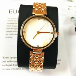 Assista cinto rosa para mulheres on-line-2019 Novas Mulheres relógio de quartzo de Luxo Azul / Rosa Dial Aço Inoxidável Cinto de Cor Dourada Mulheres Assista marca relogio masculino Presente para meninas