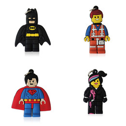 Envío gratis superhéroe colgante de dibujos animados de PVC colgantes de los niños para el collar mejores fuentes del favor del partido regalos de los niños desde fabricantes