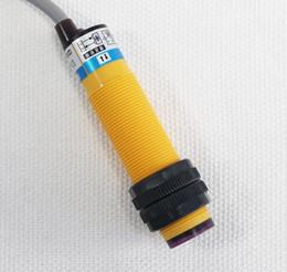 Argentina 5 UNIDS E3F-DS10P2 Sensor de Interruptor Fotoeléctrico Difuso M18 3 Cables DC 6V-36V PNP NC Rango de Detección 10cm Suministro