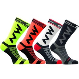 Wholesale Wicking Running Socks - High quality Professional brand sport socks Protect feet breathable wicking socks fashion style cycling NW bike sock 20pairs