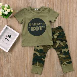conjuntos de ropa de niños ejército Rebajas 2 unids Ropa de Bebé Bebé Recién Nacido Niño Verde Bebé Niño Niña Letra T-shirt Tops Camuflaje Pantalones Trajes Conjunto Ropa 0-24 M