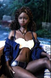 Pequena boneca de sexo preto on-line-Cor preta 168 cm indiano jovem pequeno brinquedo sexual do sexo silicone boneca do amor para homens sex