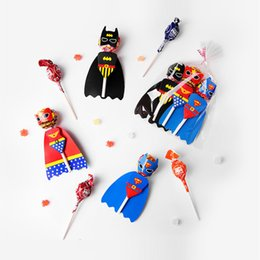 2019 soportes a granel Super Hero Lollipop Card Candy Decoration para niños Fiesta de cumpleaños Creative Funny Gift Favor Lollipop Candy Gift Accessories