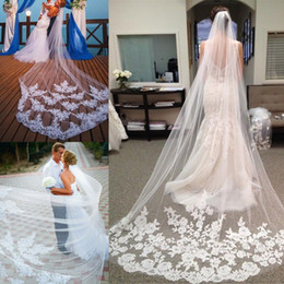 Wholesale Ivory Floral Veils - Top Quality White Long Bridal Veils Soft Tulle With Floral Applique Long Veils With Comb Top Quality Wedding Accessories