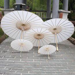 Artisanat simple en Ligne-Parapluies en papier de mariage pour la mariée Parasols faits à la main Plaine Mini-parapluie artisanal chinois pour les ornements suspendus Diamètre: 20-30-40-60cm HH7-993