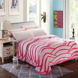 Wholesale Luxury Queen Bedspreads - White pink stripe blankets twin full queen king size cartoon kids soft throw blanket Luxury fashion bedspread throws for sofa