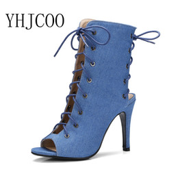 2017 Mujeres Sandalias de Verano de Moda de Europa Estilo Tacones Finos  Sexy Cool Boots Shoes Gladiador de Mujer de Tacón Alto Sandalias de  Mezclilla de las ... d379612997cd