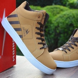 449a51b3e113 Mens Trainers High Tops Shoes For Men Casual Shoes Leather Boots Lace Up  USA Street Style Men Skate Board Chaussure Homme