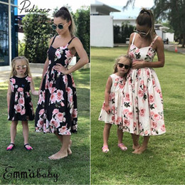 2018  New Family Matching Sets Mother Daughter Boho Floral Maxi Dress Sleeveless Strap Floral Knee-Length Dress Sundress от