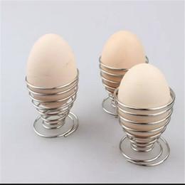 Cremagliera da cucina online-Primavera uova sode titolare uovo in acciaio inox bracconiere vassoio di filo portauovo tazza di cottura utensili da cucina HH7-985