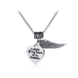 colliers pour copines Promotion Angel Wing Lettering un morceau de mon coeur est dans le ciel Pendentif Coeur Colliers Femmes Charmes Collier Pour Fille Petite Amie Cadeau FNECK030