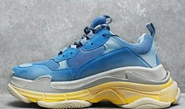 Wholesale Shoes Height Increasing Fashion Boots - New arrival Arena Men Sports Triple S Men and Women Retro Shoes Mens Shoes High Quality of Fashion Boots Sports Sneakers Woman's Sport Boost
