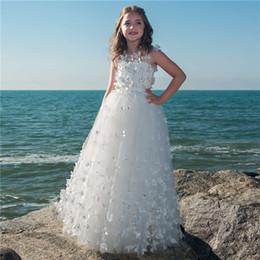 Vestido branco de luxo para crianças on-line-Vestidos de menina de flor de borboleta branco para casamentos Vestidos de festa de luxo de crianças 2018 Vestidos de vestido primeira comunhão de daminha para meninas