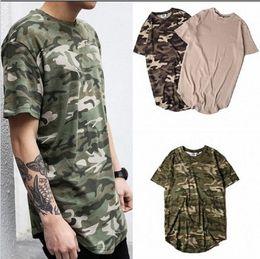 2019 städtischen kleiderstil New Style Sommer Striped Curved Hem Camouflage T-Shirt Männer Longline Extended Camo Hip Hop T-Shirts Urban Kpop T-Shirts Herren-Kleidung günstig städtischen kleiderstil
