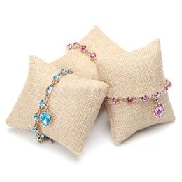Almohadas de pulsera online-Pulsera de lino de moda esponja brazalete almohada cojín para la exhibición de la joyería Reloj de pulsera Exhibidor de la joyería Escaparate