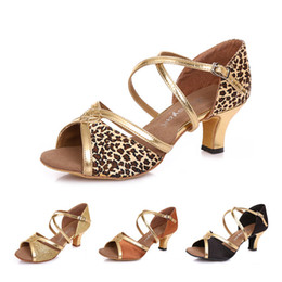 dc683b4fe85 2019 chaussures de danse flamenco Salle de bal Adulte Tango Latin chaussures  de danse Femmes Feme