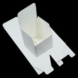 40 pz   lotto 5   5   5 cm Kraft Paper Piccolo Pacchetto Pieghevole  Contenitore di Cartone Gioielli FAI DA TE Regali Scatole di Imballaggio di  Carta Per ... 7676b440bf87
