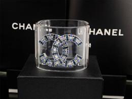 Бриллиантовый браслет широкий онлайн-Фабрика продать высокое качество роскошные заклепки двойной Алмаз манжеты широкий браслет мода прозрачный кристалл панк акриловый браслет с коробкой