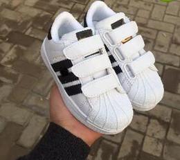 zapatillas más calientes Rebajas 2019 Hot Skateboarding Shoes baby Casual Shoes Superstar Female Sneakers niños Zapatillas Deportivas Mujer Lovers Sapatos Femininos zapatos para niños